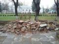В Черновцах снесли памятник советскому писателю Горькому