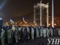 За ограждения на Майдан Незалежности пропускают не всех