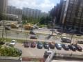 В Голосеевском районе Киева на дороге прорвало трубу
