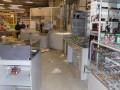 В Черноморске грабители украли два миллиона гривен, выломав дверь магазина на авто