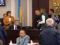 В Сеть выложили видео драки депутатов Киевоблрады