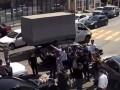 Свадебный кортеж перегородил трассу в Сочи ради танца жениха
