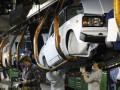 Ъ: Флагман российского автопрома впервые в истории сократил план производства