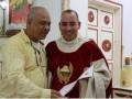 В Испании мошенник 18 лет прикидывался священником