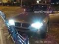 Бандит прямо в автосалоне ударил ножом продавца и угнал BMW (ФОТО)
