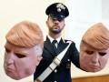 В Италии задержали братьев-грабителей в масках Трампа
