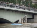 Париж уходит под воду: уровень воды в Сене превысил шесть метров