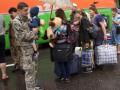 Корреспондент: Дорога к счастью. Как жители Луганска покидают охваченный войной город