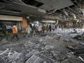 Под завалами аэропорта нашли тела семерых