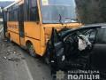 Под Львовом школьный автобус попал в ДТП: пятеро пострадавших