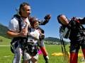 Кличко прыгнул с парашютом и потоп в Луцке - главные ФОТО недели