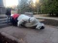 В Кривом Роге снесли памятник Ленину (фото, видео)