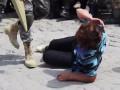В Тернополе матери призывников ложились под колеса автомобилей (видео)
