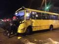 В Черкассах маршрутка врезалась в грузовик, есть пострадавшие