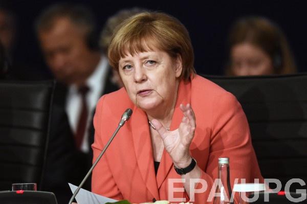Меркель поприветствовала украинскую летчицу