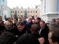 Порошенко два часа молился за Украину в Михайловском соборе