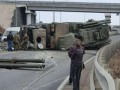 В России перевернулся грузовик с ЗРПК Панцирь