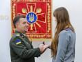 Полторак вручил волонтерам государственные награды