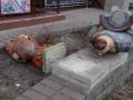В Киеве вандалы разбили статуи легендарных козаков