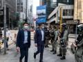 Гонконг вводит жесткие ограничения из-за COVID