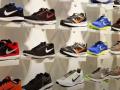 Американский бренд требует уничтожить в Одессе более 1500 пар обуви