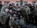 Порошенко встретился с вышедшими из Дебальцево бойцами