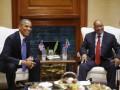 В ЮАР полиция применила свето-шумовые гранаты на акции против Обамы