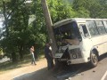 В Чернигове маршрутка въехала в столб: пятеро пострадавших