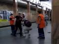 В киевском метро полицейский избил мужчину
