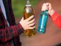 Депутаты предложили наказывать тех, кто покупает алкоголь и табак несовершеннолетним