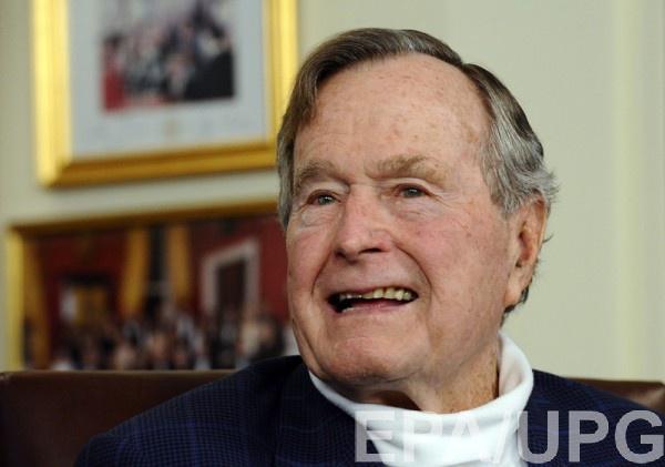 Буш госпитализирован в США