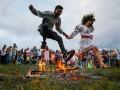 Плели венки и прыгали через костер: Как украинцы Ивана Купала отмечали