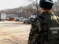 На въездах в Черновицкую область разместили вооруженные блок-посты