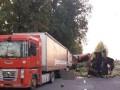 В Виннице фура с арбузами протаранила припаркованный грузовик: погиб иностранец