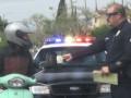 Американские полицейские разыгрывали автолюбителей, оплачивая им штрафы
