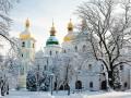 В Киеве из окна Софийского собора выпал мужчина