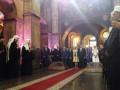 Сыну Порошенко стало плохо во время молебна за Украину (видео)