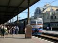 Янукович распорядился пополнить парк Укрзалізниці, купив за счет госбюджета 200 купейных вагонов