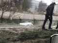 В Одессе полицейский автомобиль упал с моста