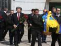 Порошенко почтил память героев-ликвидаторов аварии на ЧАЭС