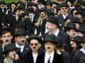 В Швейцарии сотни фанатов отметили день рождения Чарли Чаплина