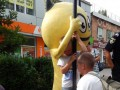 В Скадовске ребенок застрял в рекламной конструкции