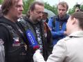 Пропутинские байкеры подрались с чехами на кладбище из-за Украины