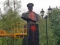 В Харькове бюст Жукова обливали красной краской два дня подряд