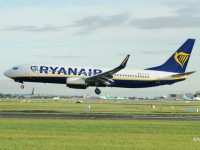 Самолет из Дублина на Ибицу экстренно сел из-за массовой драки на борту