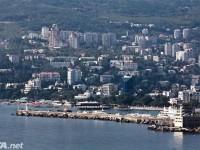 В Крым оккупанты не пропустили 200 кг продуктов, попугая и собаку