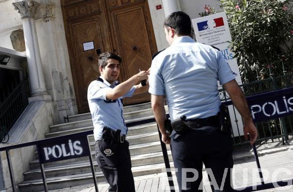 Власти Турции объявили, что в стране началась попытка военного переворота