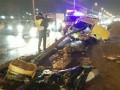 В Киеве ВАЗ врезался в отбойник: водитель погиб