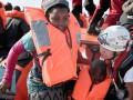 В Средиземном море спасли около 100 мигрантов
