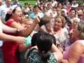 В Черновицкой области протестующие против мобилизации набросились на депутата